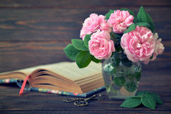 Bouquet of tea roses Royalty Free Stock Photography