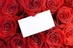 Bouquet Valentine de carte de papier et de roses Images libres de droits