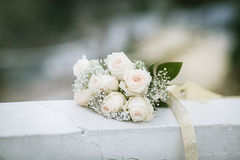 Bouquet of white roses Royalty Free Stock Photos