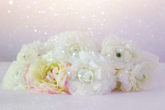 Bouquet of white rosses on wooden table Royalty Free Stock Photography