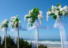 Bouquets de blanc de décor de mariage Image libre de droits