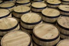 Bourbon beczki w magazynie Zdjęcia Royalty Free