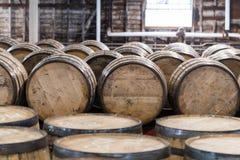Bourbon-Fass-Lagerraum Stockbild