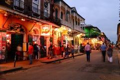 Bourbon ulica przy nocą zdjęcia royalty free