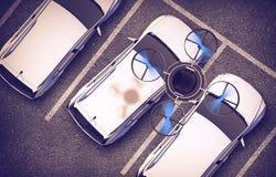 Bourdon de espionnage au-dessus des voitures illustration libre de droits