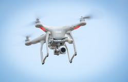 Bourdon de vol avec l'appareil-photo photographie stock