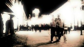 Bourdonnement chaotique de rue de nuit de Timelapse, longueur courante banque de vidéos