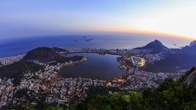 Bourdonnement de Rio Cityscape Time Lapse Dusk banque de vidéos