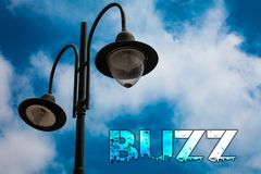 Bourdonnement des textes d'écriture de Word Concept d'affaires pour le Cl nuageux bleu de courrier de lumière de carillon de Ring illustration libre de droits