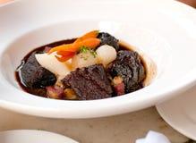Bourguignon da carne com vegetais imagens de stock royalty free