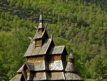 bourgundnorway gammalt tempel royaltyfri bild