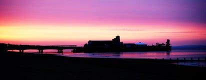 Bournemouth pirsoluppgång royaltyfri fotografi