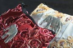 Bourses en soie rouges et blanches Image stock