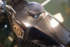BOURTON-ON-THE-WATER, GLOUCESTERSHIRE/UK - 24-ОЕ МАРТА: Классический MG Стоковое фото RF
