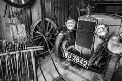 BOURTON-ON-THE-WATER, GLOUCESTERSHIRE/UK - 24 DE MARÇO: Vintage Tr Fotografia de Stock Royalty Free