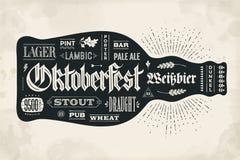Bouteille d'affiche de bière avec le lettrage tiré par la main illustration stock