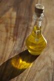 Bouteille d'huile d'olive italienne Photographie stock libre de droits