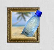 Bouteille dans le cadre avec l'effet 3d Image libre de droits