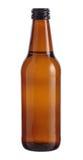 Bouteille de Brown de bière d'isolement sur le fond blanc Photographie stock libre de droits