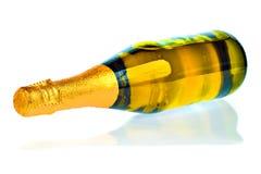 Bouteille de champagne ou cave sur un fond blanc images libres de droits