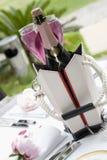 Bouteille de champagne sur la table de restaurant Image stock
