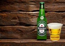 Bouteille de Heineken Lager Beer image stock