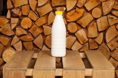 Bouteille de lait Images stock