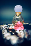 Bouteille de philtre d'amour avec le coeur en cristal Images stock