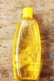 Bouteille de shampooing de bébé photographie stock libre de droits