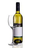 Bouteille de vin blanc avec la glace de vin images libres de droits