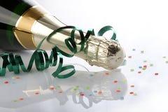 Bouteille de vin décorée Image stock