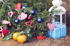 Bouteille de vin de coeur de bougie de neige Image stock