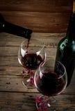 Bouteille de vin et de verres Photos libres de droits