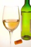 Bouteille en verre de vin images libres de droits