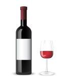 Bouteille et glace de vin rouge Photo libre de droits