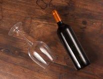 Bouteille et glaces de vin Images libres de droits