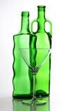 Bouteille et glaces vertes de Martini Photo libre de droits