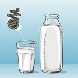 Bouteille et verre avec le croquis de vecteur de lait Images libres de droits