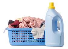 Bouteille propre de lavage sale de panier de blanchisserie de poudre liquide photo stock