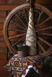 Bouteille traditionnelle de vin Photographie stock libre de droits