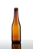 Bouteille vide de bière d'isolement Photo stock