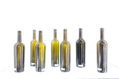 Bouteille vide de vin sur un fond blanc Photos libres de droits