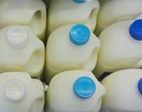 Bouteilles à lait Images stock