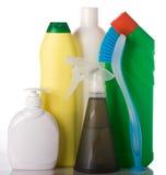 Bouteilles avec le liquide de lavage et le balai de nettoyage Image libre de droits