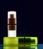Bouteilles avec le parfum Photos stock