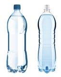 Bouteilles bleues avec de l'eau d'isolement sur le fond blanc avec du Cl Photos stock