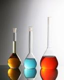 Bouteilles chimiques images libres de droits