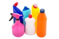Bouteilles colorées de liquide de vaisselle d'isolement sur le fond blanc Images libres de droits