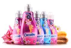 Bouteilles d'adoucissant liquide de Coccolino Image stock