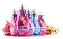 Bouteilles d'adoucissant liquide de Coccolino Photographie stock